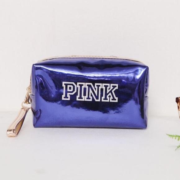 b4db16e63c ... PINK Holographic Makeup Bag. M 5b4cb030df03077fc3a785bf